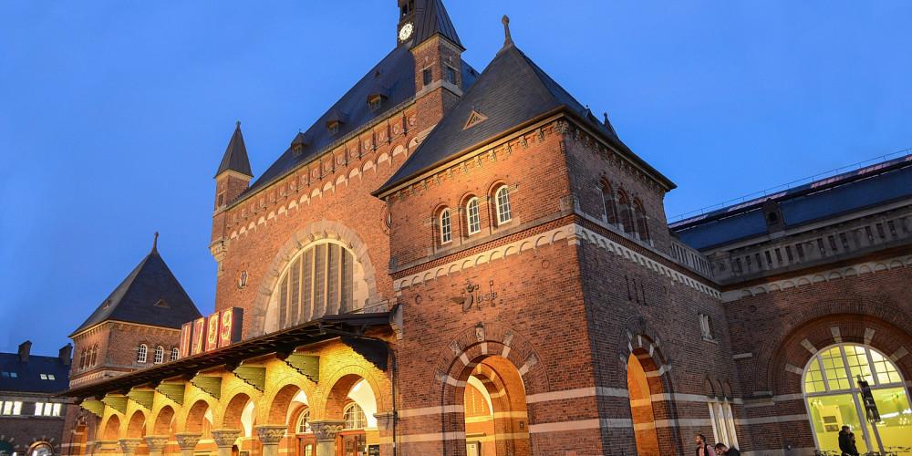 Фото Железнодорожный вокзал Копенгагена, Ховедстаден, Шелланд (Копенгаген, Роскилле), Дания