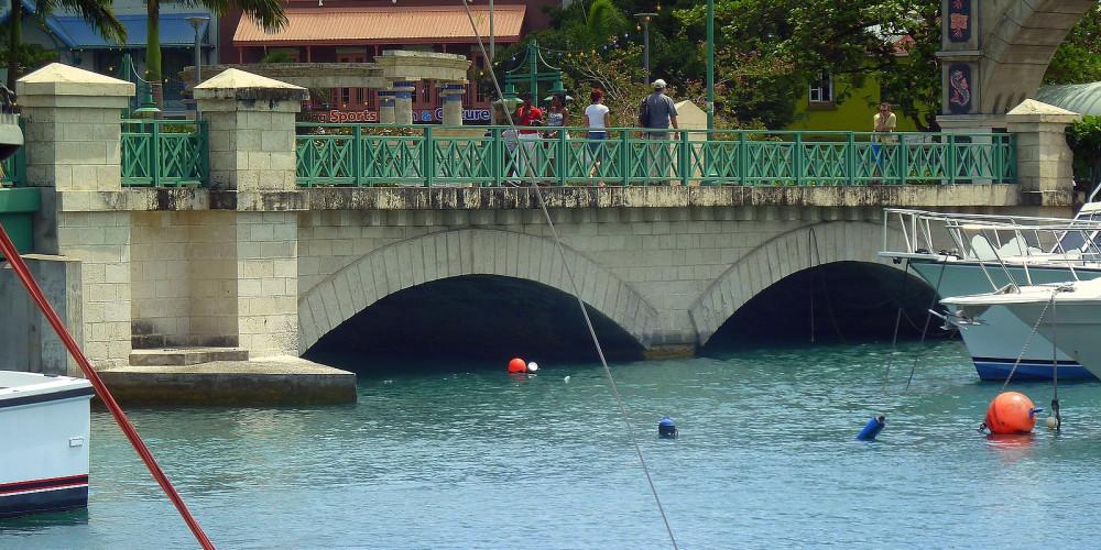 Бриджтаун: Мост Чемберлен, Барбадос, Барбадос