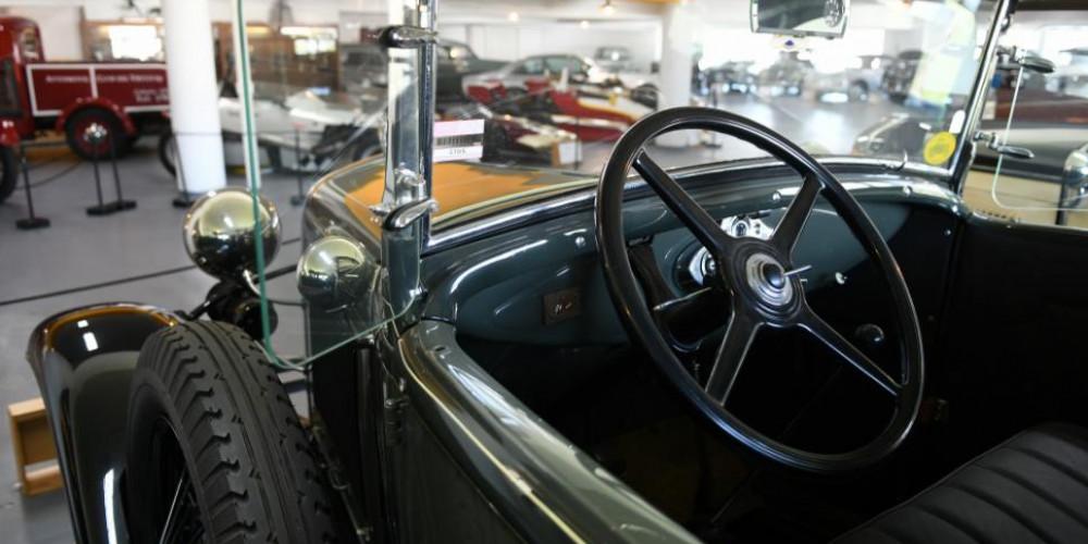Montevideo: Museo del Automovil Eduardo Iglesias, К югу от реки Рио-Негро (Монтевидео, Колония, Дуразно), Уругвай