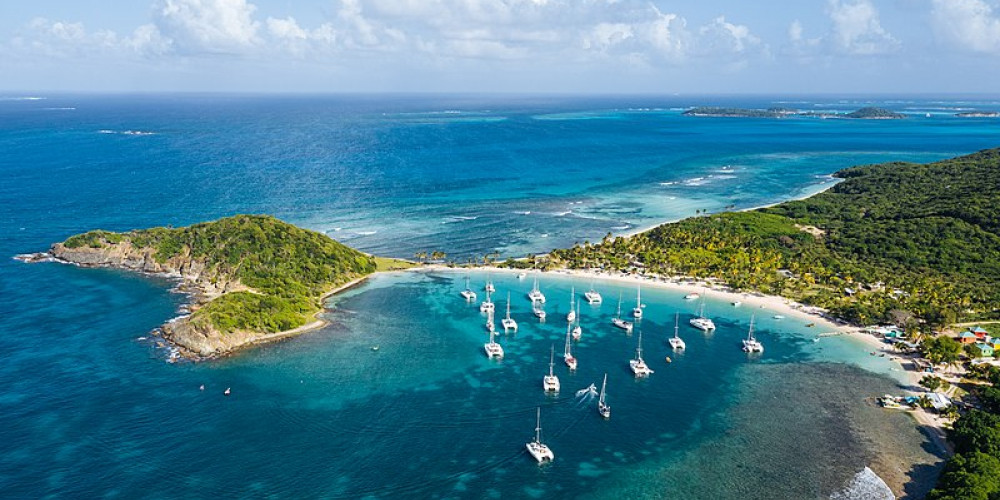 Mayreau, Гренадины (Бекия, Юнион, Кануан), Сент-Винсент и Гренадины