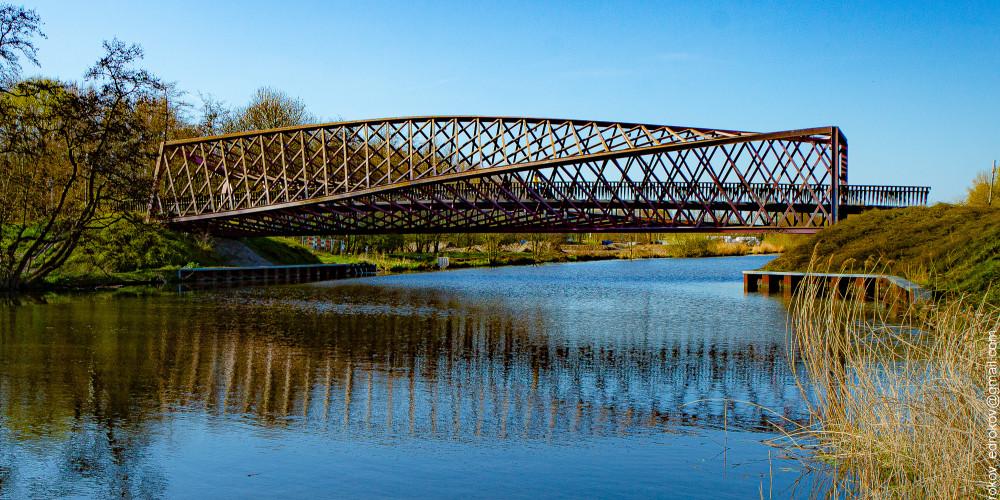 Влардинген: Мост Твист через Влардингсефарт, Центр и Запад (Амстердам, Роттердам, Утрехт, Алмере), Нидерланды