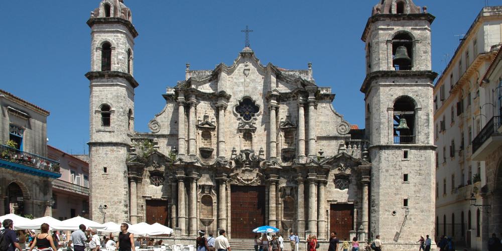 Фото Гавана: Гаванский собор, Запад (Гавана, Пинар-дель-Рио, Артемиса, Маябеке), Куба
