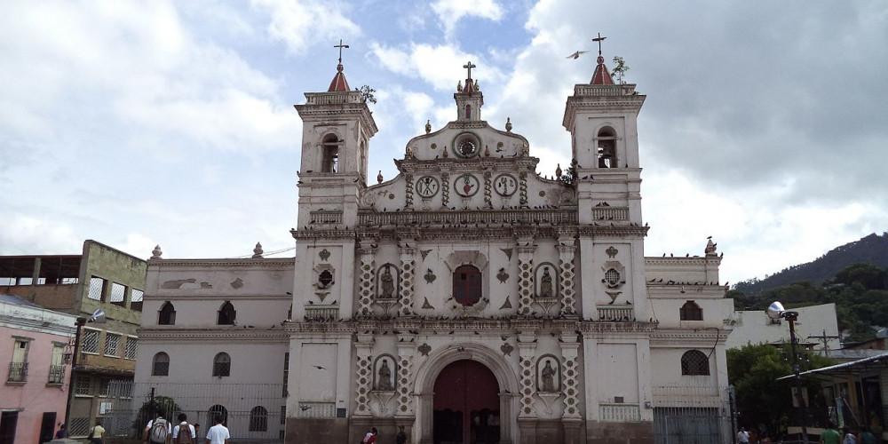 Фото Тегусигальпа: Церковь Долорес, Высокогорье (Тегусигальпа, Хутикальпа) и Тихий океан (Чолутека), Гондурас