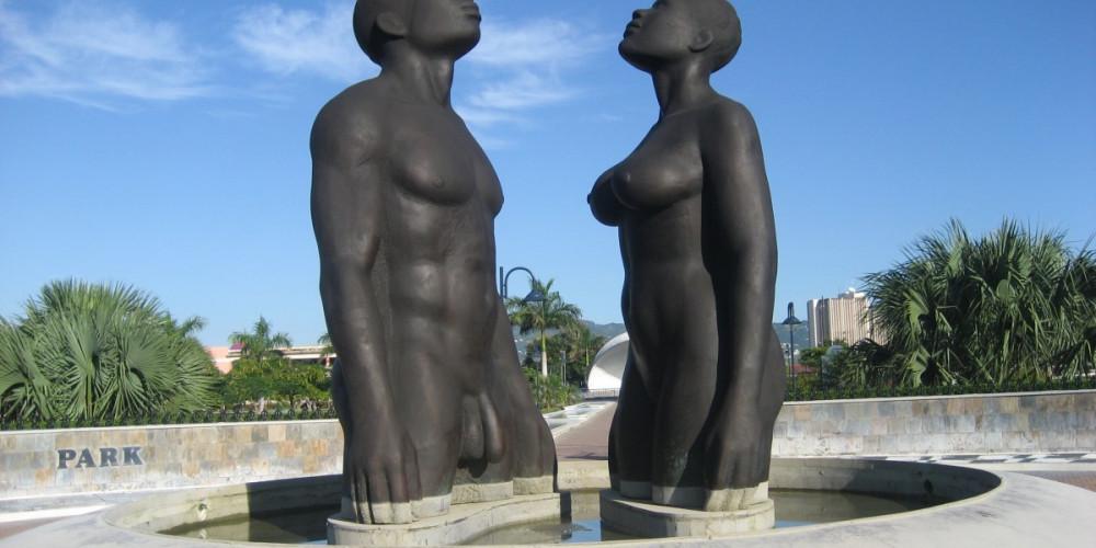 Фото Кингстон: Статуя эмансипации, Мидлсекс, Суррей (Кингстон, Мандевиль, Очо Риос), Ямайка