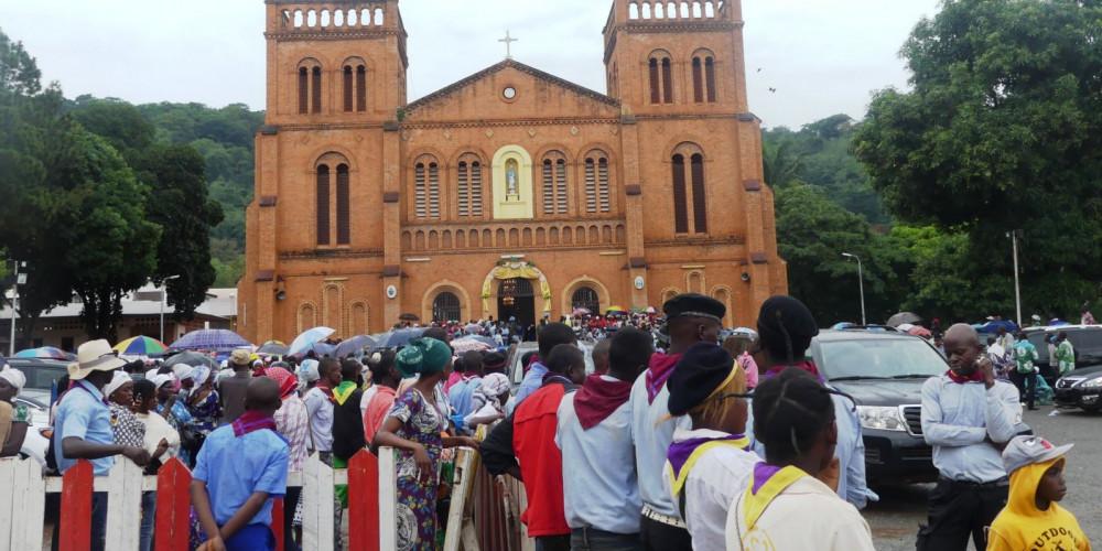 Банги: Собор Нотр-Дам в Банги, Юго-запад (Банги, Нола, Берберати, Сибут), Центрально-Африканская Республика