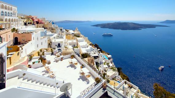 Греция выдает визы и впускает россиян без карантина